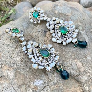 Green beautiful Earrings in Kundan work